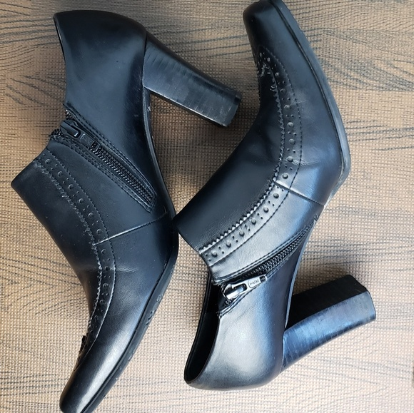 Franco Sarto Shoes - Franco Sarto Bibi booties western look